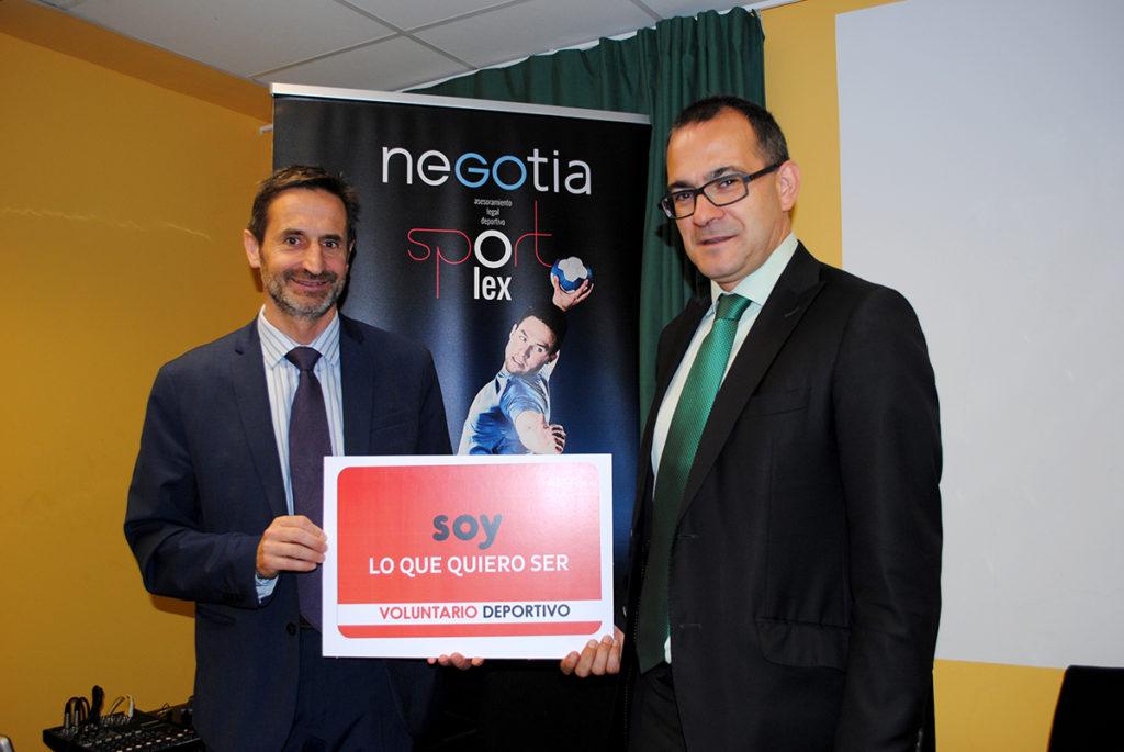 José Antonio Castañeda y Juan Ignacio Hernández, letrados de Sportlex, en la presentación del Estatuto del Voluntariado Deportivo para los socios de Afedecyl