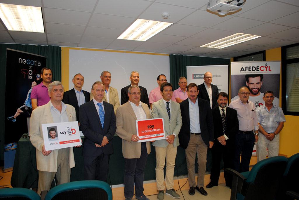Representantes de Afedecyl y de las federaciones e instituciones que apoyan el Estatuto del Voluntariado Deportivo.